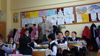 Branş Öğretmeni Dersteyken Sınıf Öğretmeni İsterse Okuldan Ayrılabilecek
